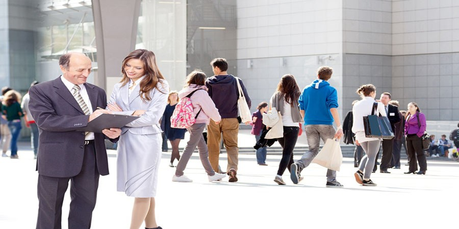 Top 10 Employee Engagement Activities at Work (From Experts)